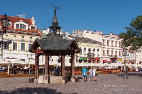 Marktplatz in Rzeszow - Bild Nr. 201608281233